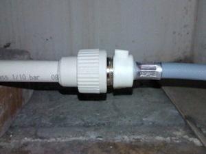 Фитинговое соединение пластиковых труб